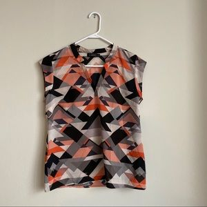 The Limited Aztec fall color sleeveless blouse